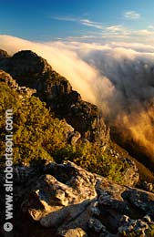 Flowing Clouds on Table Mountain - Click for large image